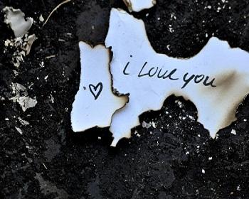 Cerpen Cinta Sedih Tapi Romantis